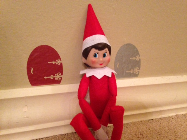 Elf on the Shelf Vinyl Door Giveway- MontereyMommies.com