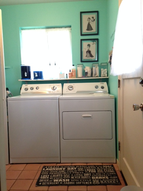 Laundry Room Make-Over: MontereyMommies.com